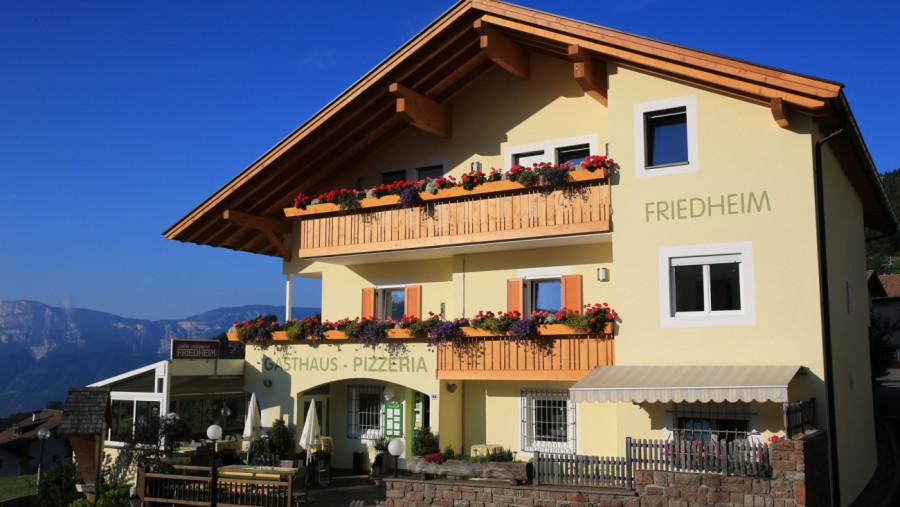 Gasthof Pizzeria Friedheim in Mölten
