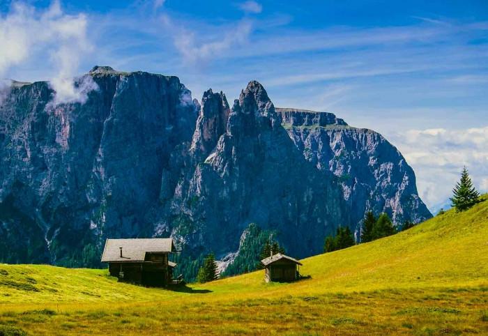 Zenoburg OHG des Pirhofer Michael & Co. in Dorf Tirol