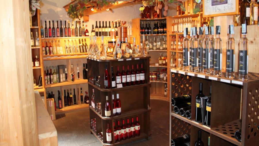 Karadar - wines, spirits, drinks & more in Innichen