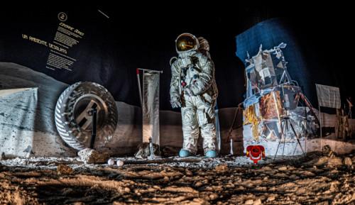 Andrea Falcomatà: Mondlandschaft