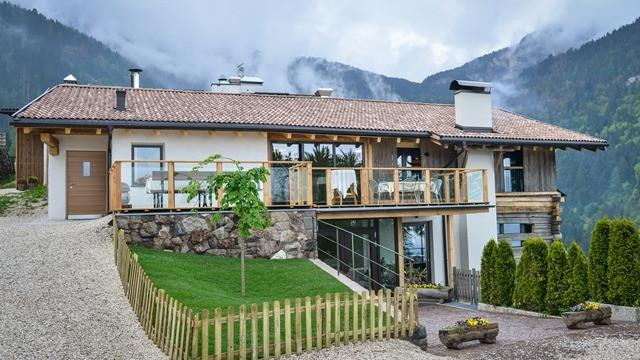 Mountain Inn Dorfner in Montan / Montagna